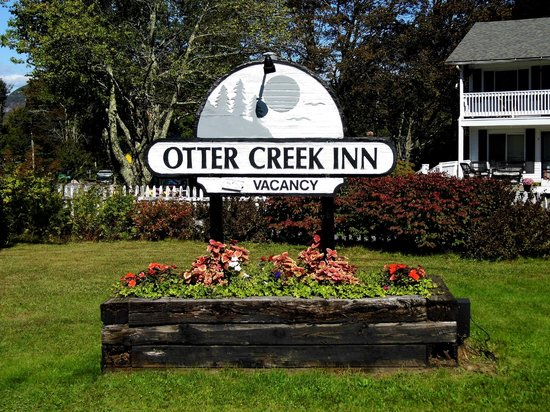 Otter Creek Inn: Road sign