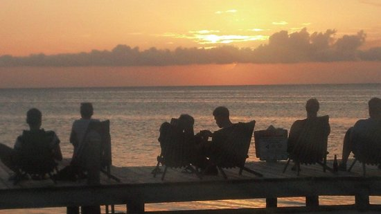 Iguana Reef Inn : Sunset from Iguana reef dock