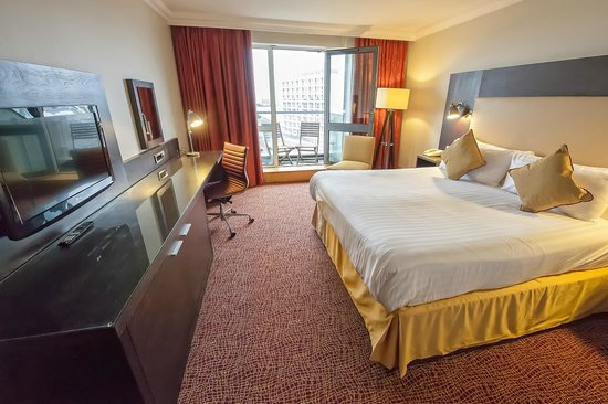 Grand Harbour Hotel: King Deluxe Room
