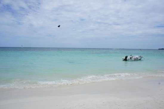 Beaches Negril Resort & Spa: the gorgeous white sand beach