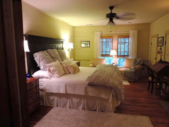 The Buck House Inn on Bald Mountain Creek: Guest Room