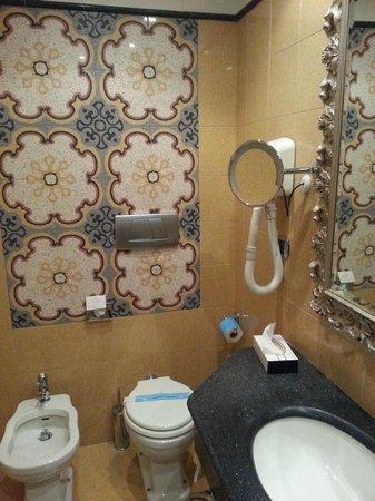 Hotel Aventino : bathroom - room 332