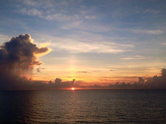 Vistana Beach Club: sunrise