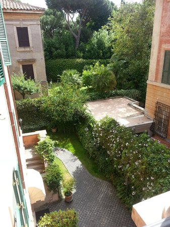 Hotel Aventino : view from balcony - room 348