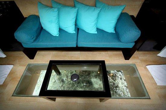 Adaaran Prestige Vadoo: room glass floor