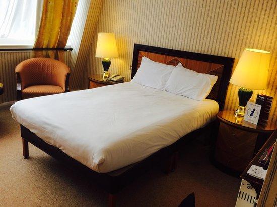 Britannia Manchester Hotel: Bedtoom
