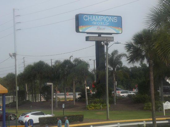 Champions World Resort: Entrada