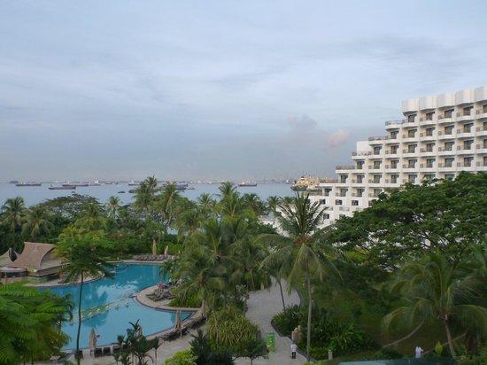 Shangri-La's Rasa Sentosa Resort & Spa: View from ocean view suite terrace - lovely!