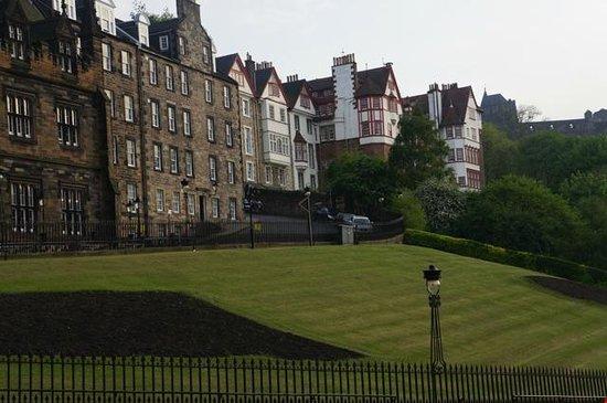 Mercure Edinburgh City - Princes Street Hotel: Jardines