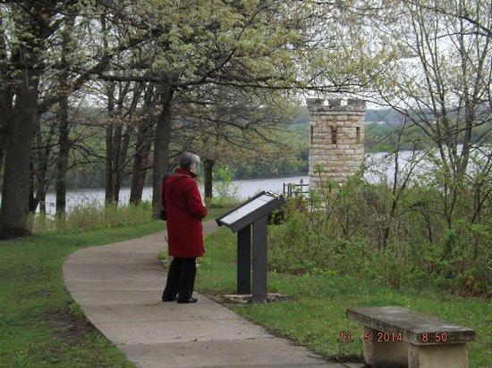 Julien Dubuque Monument : Information Sign & Monument