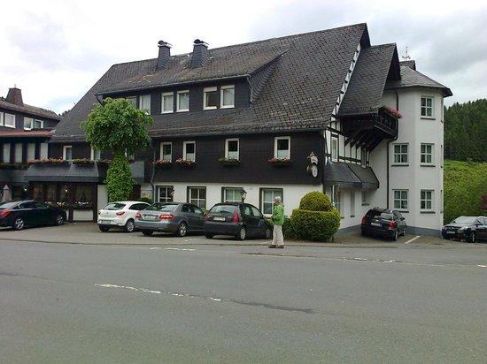 Voorkant Hotel Hennemann