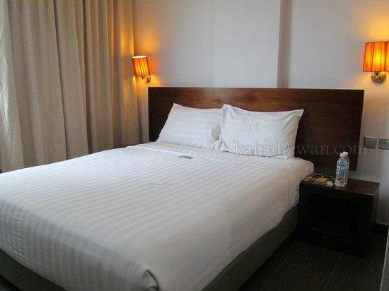 Tune Hotel Waterfront Kuching: Bed
