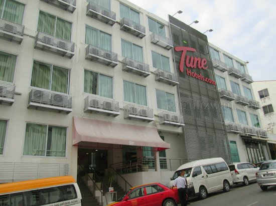 Tune Hotel Waterfront Kuching: Exterior view