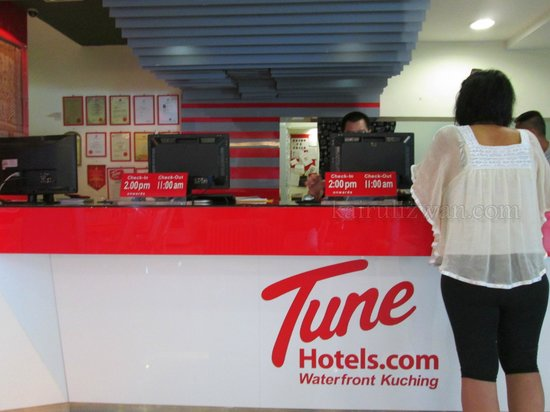Tune Hotel Waterfront Kuching: Reception