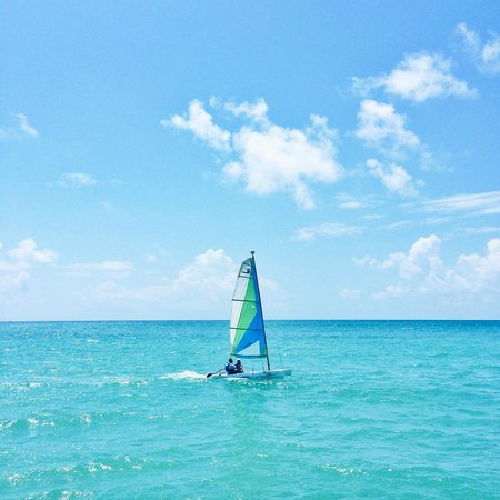 Blue Diamond Luxury Boutique Hotel: Beach