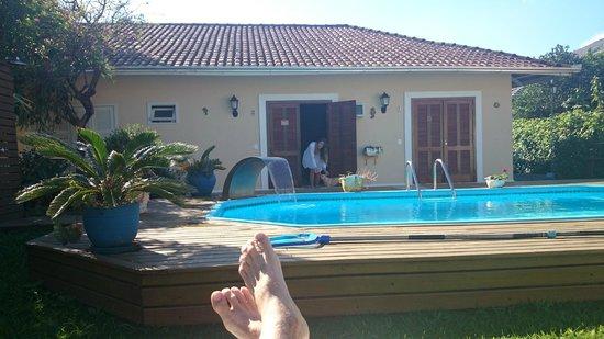 Pousada Jardim Porto Belo: Deck da piscina e nosso apto