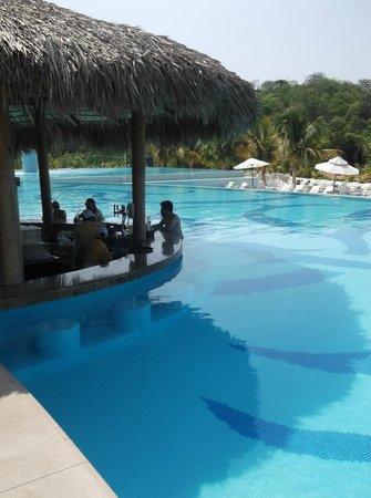 Secrets Huatulco Resort & Spa: El bar Marlin