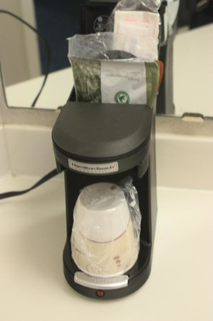 La Quinta Inn Ventura: Coffee maker -- we didn't use it