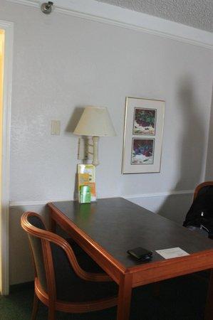 La Quinta Inn Ventura : Desk