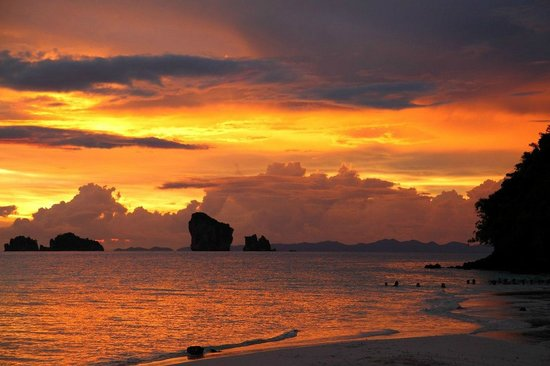 Tup Island: потрясающий закат!