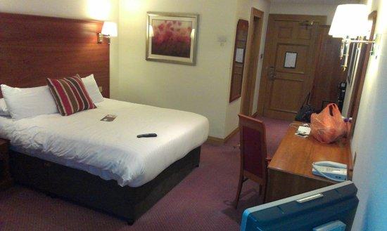Mercure York Fairfield Manor Hotel : Bedroom