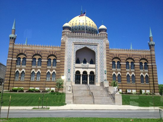 Untapped Tours : Milwaukee's Beautiful Architecture