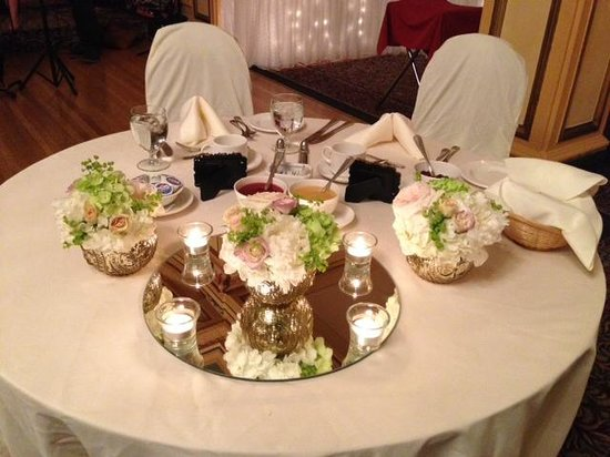 Rodd Charlottetown: Table for two at wedding