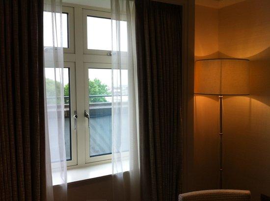 The Berkeley: Room 701 - door to terrace