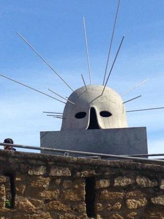 Castel Sant'Elmo : un ELMO trafitto