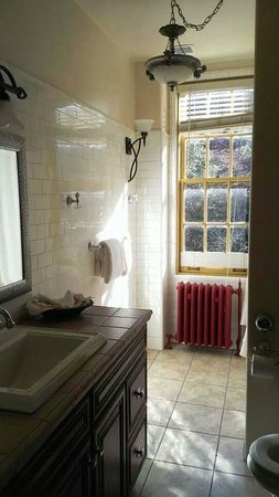 Jerome Grand Hotel: Bathroom 1
