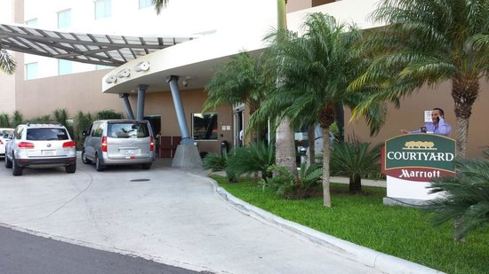 Courtyard by Marriott San Jose Airport Alajuela: Entrance