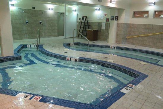 Solara Resort & Spa - Bellstar Hotels & Resorts: Pool area (pool on left; hot tub on right)