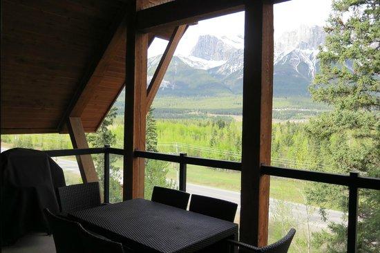 Solara Resort & Spa - Bellstar Hotels & Resorts: BBQ and deck area