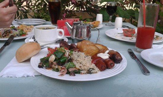 Stamatia Hotel: Культурный ужин :)