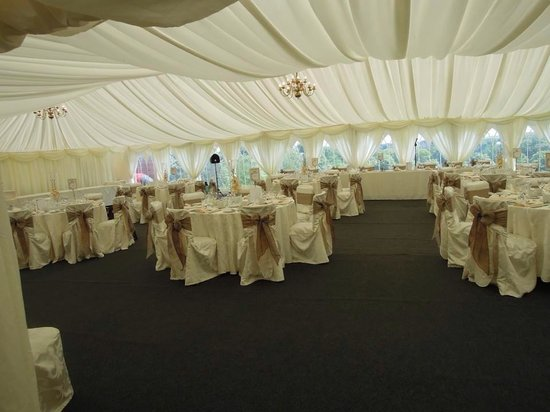 Ringwood Hall Hotel : Our wedding: inside the marquee