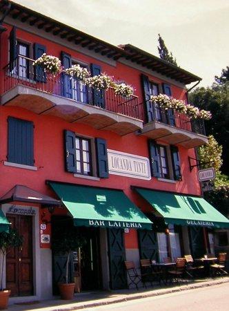 Locanda Tinti: Locale dalla lunga tradizione di ospitalità toscana dove si riscoprono i sapori di una volta