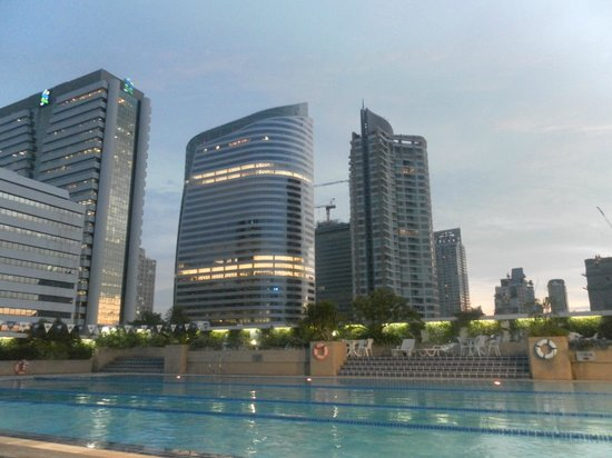 Trinity Silom Hotel: Piscina