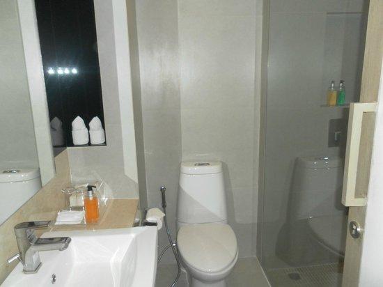 Trinity Silom Hotel: wc