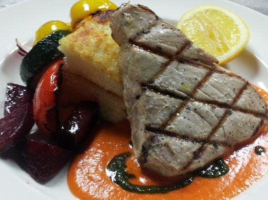 Cimo Mediterranean Grill: Yellow Fin Tuna