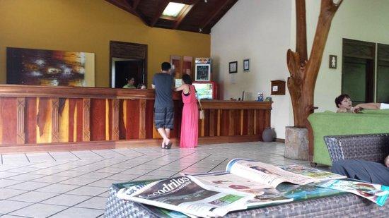 Arenal Manoa Hotel: Lobby