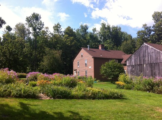 Baird Tavern : Lush gardens in a charming historical setting.