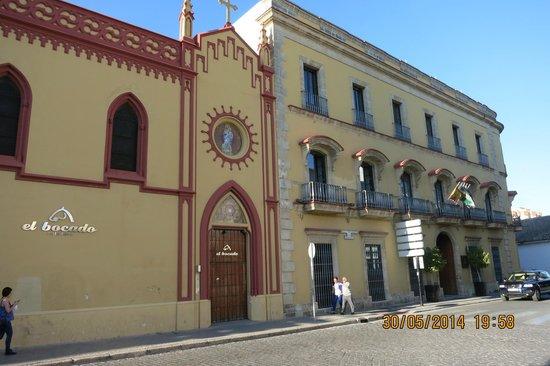 Itaca Hotel Jerez : perspectiva desde el exterior