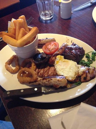 The Brecks Beefeater: Mixed grill