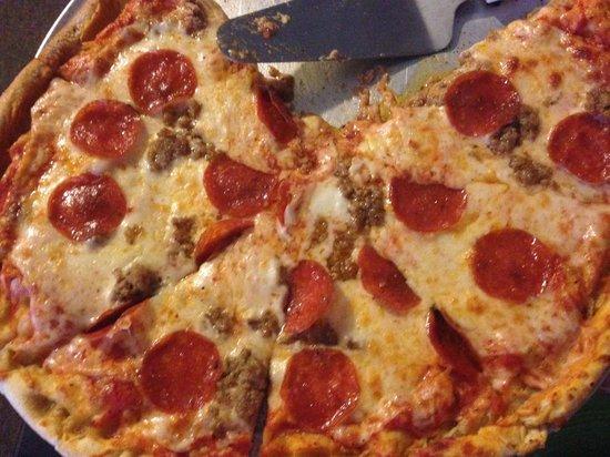 Don Vito's Italian Restaurant: Awesome Pizza!