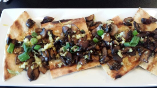 Blondie's Plate: Happy hour mushrooms..delish!