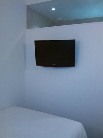 Ibis Paris Gare du Nord: room 202