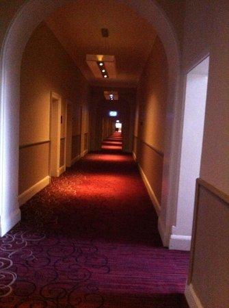 Grand Central Hotel: long long corridors