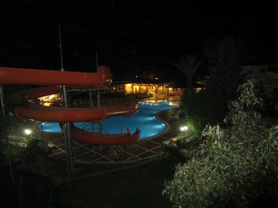 Alize Hotel : Ализе ночью