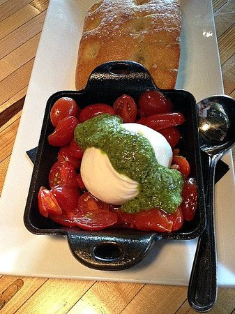 Patxi's Pizza: THE burrata appetizer