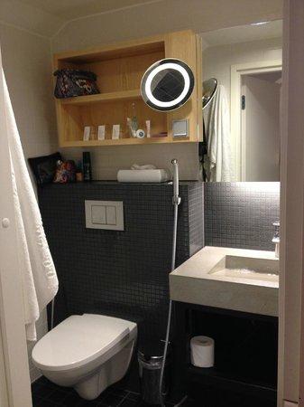 Original Sokos Hotel Villa: Bathroom